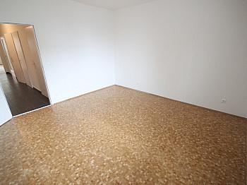 bestehend vermietet Badewanne - Neue Top sanierte 2 Zi-Wohnung am Spitalberg