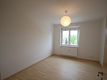 sofort direkt Küche - Komplett sanierte helle 3 Zi-Wohnung in Welzenegg