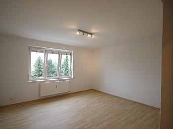 Optionel November dritten - Komplett sanierte helle 3 Zi-Wohnung in Welzenegg