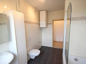 Bruttomieten Wohnzimmer bestehend - Komplett sanierte helle 3 Zi-Wohnung in Welzenegg