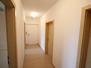 sanierte Komplett Aufpreis - Komplett sanierte helle 3 Zi-Wohnung in Welzenegg