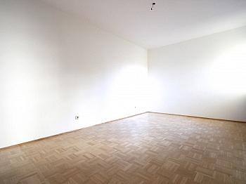 Vorraum Schöne Bindung - Traumhafte 2-Zi-Wohnung in Zentrumslage