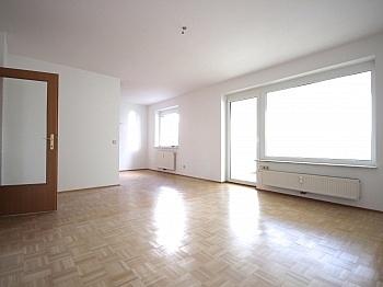 Abstellraum Bruttomiete südseitig - Traumhafte 2-Zi-Wohnung in Zentrumslage