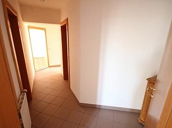 Schöne Strasse gelegen - 2 Zi Wohnung am Stadtrand von Klagenfurt - Ebental