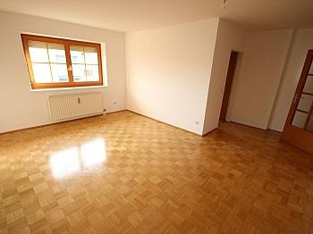 Ostloggia Wohnung Carport - Schöne 4 Zi Wohnung 100m² in der Mozartstrasse