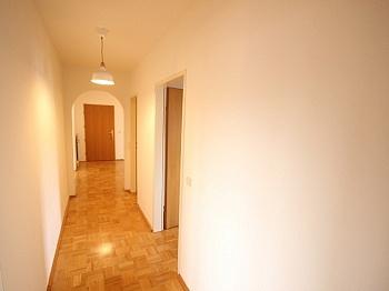 Westausrichtung Wohnhausanlage Fliesenböden - Schöne 4 Zi Wohnung 100m² in der Mozartstrasse