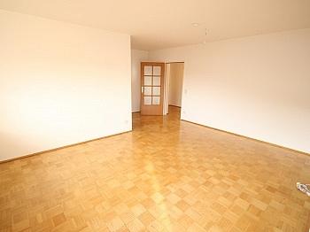 Wohnzimmer Wohnküche Eckwohnung - Schöne 4 Zi Wohnung 100m² in der Mozartstrasse