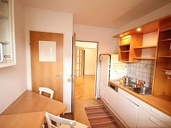 Vorraum Parkett direkt - Schöne 4 Zi Wohnung 100m² in der Mozartstrasse