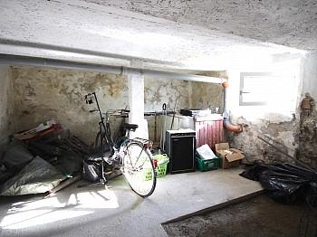 gelangen Terrasse Vorraum - Idyllisches Wohnhaus/Bauernhaus in Schiefling