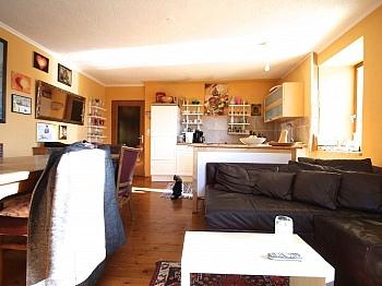 Teilunterkellert Einfahrtsbereich atemberaubendem - Idyllisches Wohnhaus/Bauernhaus in Schiefling