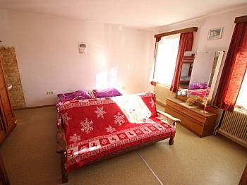 Dachboden seperaten bestehend - 175m² Wohnhaus mit 115m² Nebengebäude - Guttaring