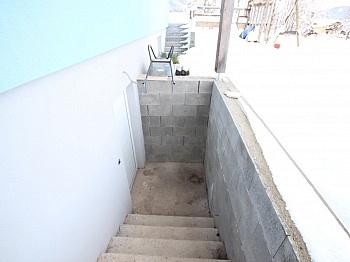 - Haus in Aussichtslage, teilw. noch fertigzustellen