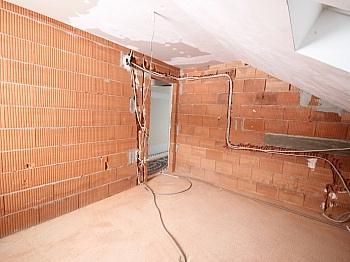 direkt Räume Rohbau - Haus in Aussichtslage, teilw. noch fertigzustellen