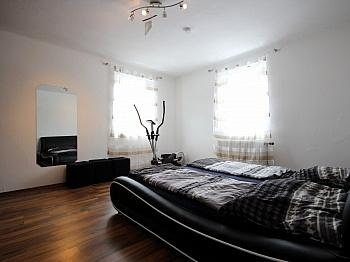 Einzelöfen Wohnräumen hochwertige - Mehrfamilienwohnhaus mit Pool Nähe Pressegger See