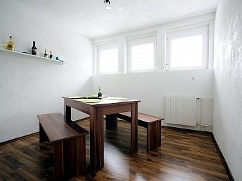 komplettes Wohngebiet Kachelofen - Mehrfamilienwohnhaus mit Pool Nähe Pressegger See