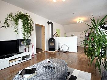 angelegten aufgeteilt Wohnräume - Mehrfamilienwohnhaus mit Pool Nähe Pressegger See