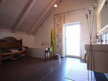 äußerst gepflegte Esszimmer - Modernes Wohnhaus Nähe Ledenitzen/Faaker See