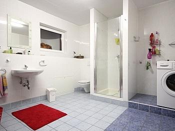 gepflegte Garderobe Esszimmer - Modernes Wohnhaus Nähe Ledenitzen/Faaker See