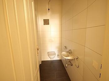 befindet Schöne schöne - 3 Zi- Wohnung im Zentrum mit Tiefgarage