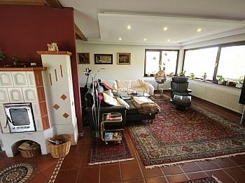 Angaben mittels Laminat - 250m² Architektenhaus am Zwanzgerberg - Stadtrand