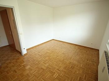 mehreren Toilette Besucher - Schöne 3 Zi Wohnung mit Tiefgarage - Görzer Allee
