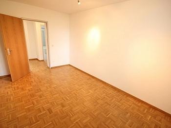 Gewähr großes Vorraum - Schöne 3 Zi Wohnung mit Tiefgarage - Görzer Allee