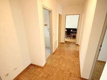 Vorraum Parkett Heizung - Schöne 3 Zi Wohnung mit Tiefgarage - Görzer Allee