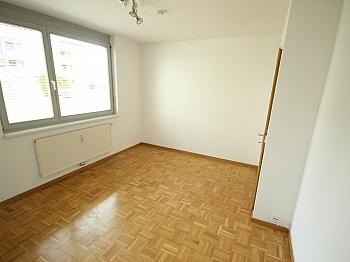 Jalousien Hofgarten getrente - Schöne 3 Zi Wohnung mit Tiefgarage - Görzer Allee