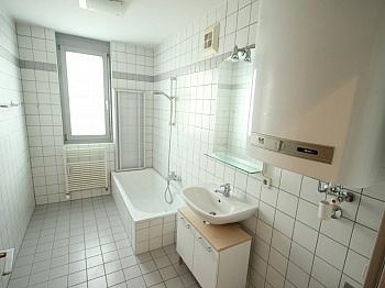 Kleine große Küche - Schöne 3 Zi Wohnung mit Tiefgarage - Görzer Allee