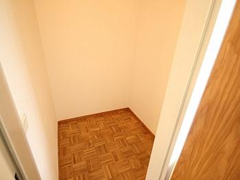 Verwaltung Irrtümer bestehend - Schöne 3 Zi Wohnung mit Tiefgarage - Görzer Allee