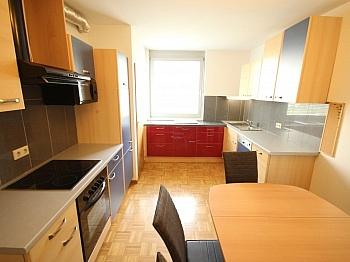 Westbalkon Wohnzimmer Verwaltung - Schöne 3 Zi Wohnung mit Tiefgarage - Görzer Allee