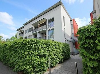Westloggia Badewanne Fenster - Schöne 3 Zi Wohnung mit Tiefgarage - Görzer Allee
