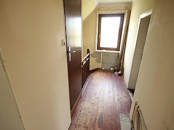 kleine Zimmer Bäder - Älteres Wohnhaus mit 1.185m² Grundstück - Feschnig