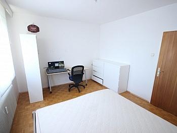 Ausblick Perkonig Eurospar - Günstige 3 Zi Wohnung 90m² in Waidmannsdorf