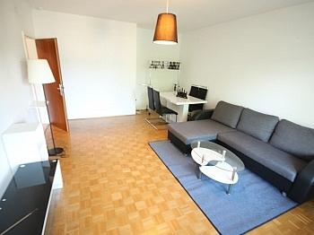Kunstofffenster Fliesenböden Waidmannsdorf - Günstige 3 Zi Wohnung 90m² in Waidmannsdorf