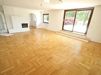 Aussenanlagen Stellplätze Westterrasse - TOP 335m² Wohnhaus in St. Georgen am Sandhof