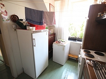 Zimmer Altbau Küche - Wohn- und Geschäftshaus 125m² in der City