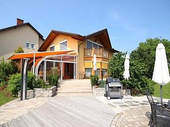 eingefriedete Gartenbereich Panoramablick - Wunderschönes junges Haus Nahe OBI, 9560