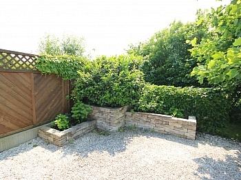 Wohnzimmerbereich Fußbodenheizung Gartengestaltung - Wunderschönes junges Haus Nahe OBI, 9560