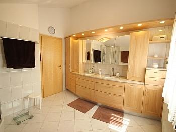 Badewanne eleganten Tischler - Wunderschönes junges Haus Nahe OBI, 9560