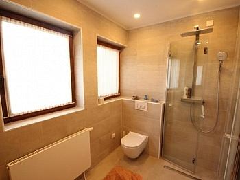 saniertes teilweise Badewanne - Tolles großes Baumeisterhaus in Glanegg