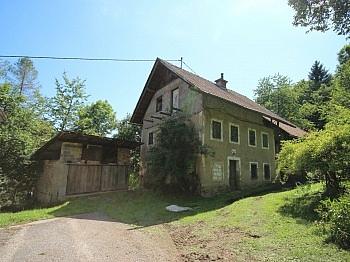 Sanierungsbedürftig Landwirtschaftliche Elternschlafzimmer - Älteres 200m² Wohnhaus mit 2,88 Ha Grund in Velden