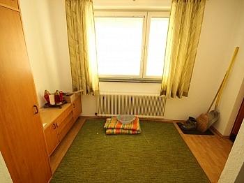 Änderungen vorbehalten Grundstück - Älteres 200m² Wohnhaus mit 2,88 Ha Grund in Velden