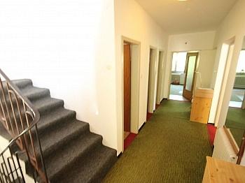 Erdgeschoss aufgeteilt Wohnzimmer - Älteres 200m² Wohnhaus mit 2,88 Ha Grund in Velden