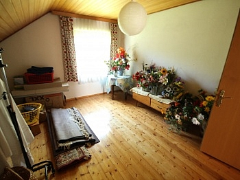 - Älteres 200m² Wohnhaus mit 2,88 Ha Grund in Velden