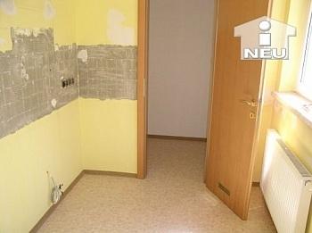 Kellerabteil deckenhoch Wohnzimmer - Top sanierte 3 Zi Wohnung 70m² - Platzgasse