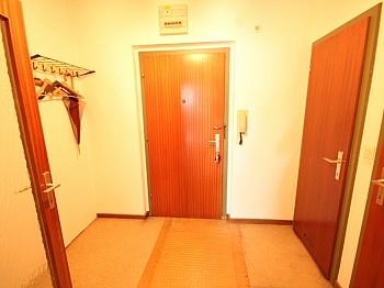 Kellerabteil Schlafzimmer Stellplätze - 2 - Zi-Wohnung in LKH Nähe