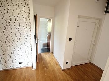 Laminatböden Kellerabteil Stellplätze - 3 Zi Wohnung 81m² in Maria Saal - Ratzendorf