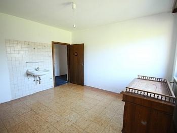 Fenster Vorraum Küche - 135m² Haushälfte in Krumpendorf