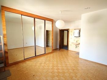 Esszimmer befindet kleines - 135m² Haushälfte in Krumpendorf